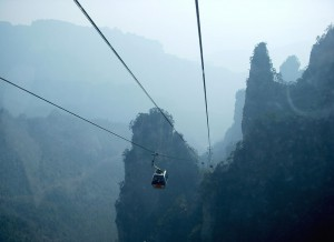 Фото: Канатная дорога в парке Чжанцзяцзе (Китай)