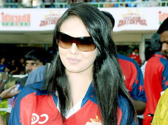 Sana Khan Photo