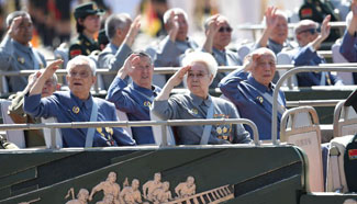 Veterans of counter-Japanese war attend V-Day parade