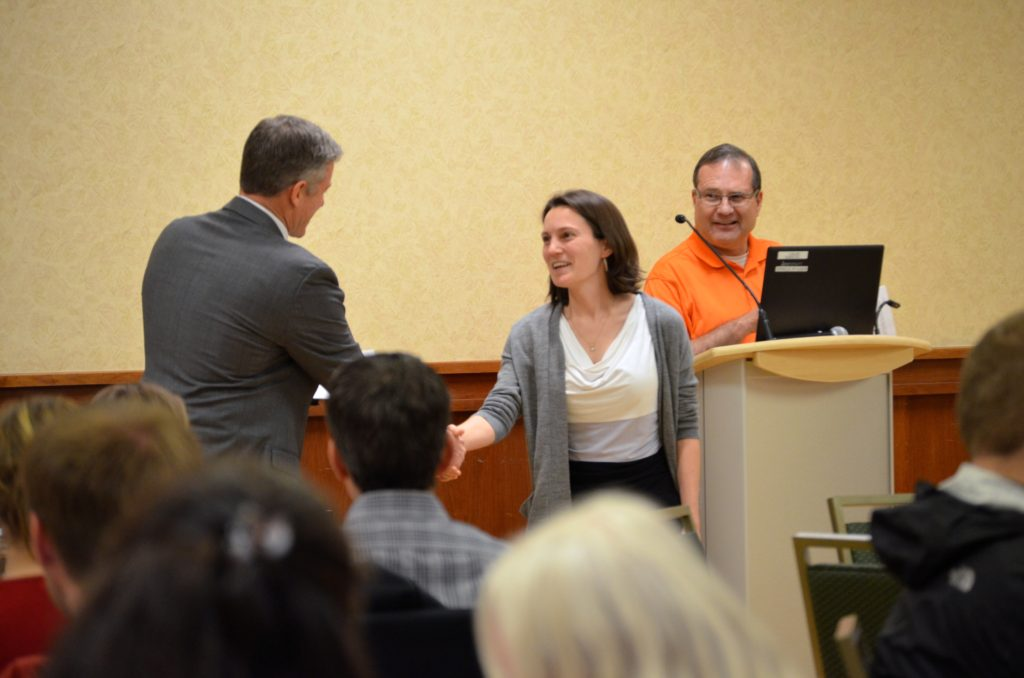 stacy endriss accepts outstanding gradaute student teaching award