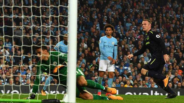 Wayne Rooney scorede sit ligamål nummer 200 mandag mod Manchester City. Scanpix/Anthony Devlin