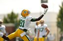 Packers practice under sunny skies Wednesday