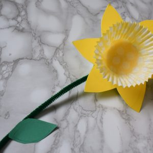 Really easy spring-time daffodil craft