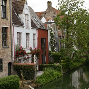 houses-canal-bruges