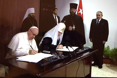 WCC welcomes meeting of Pope Francis and Patriarch Kirill for unity and peace