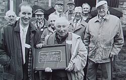 Unveiling of plaque at Hall St Constabulary in 1994 - Martin Doughty, Benny Rothman, John Anderson