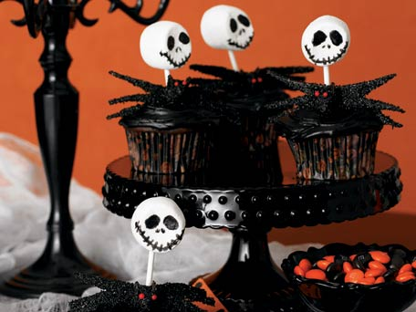Halloween Cupcakes With Gummy Worms