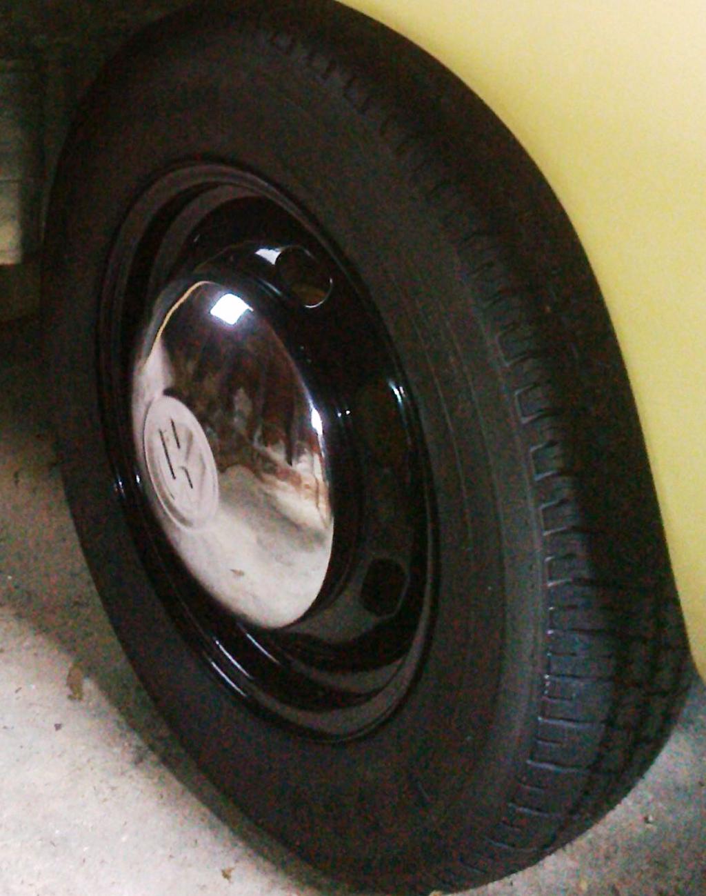 1969 Volkswagen Karmann Ghia wheel