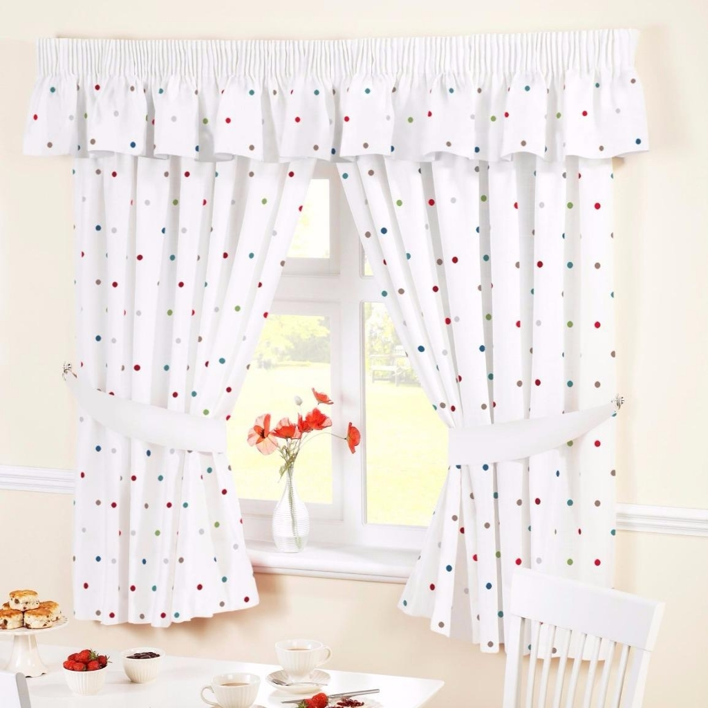 Image of: White Kitchen Curtains