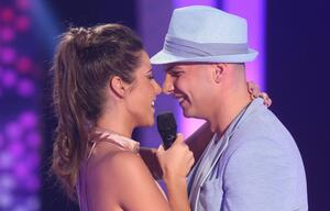 Sarah und Pietro Lombardi singen