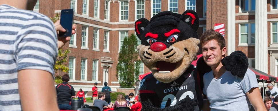 Family touring UC's campus