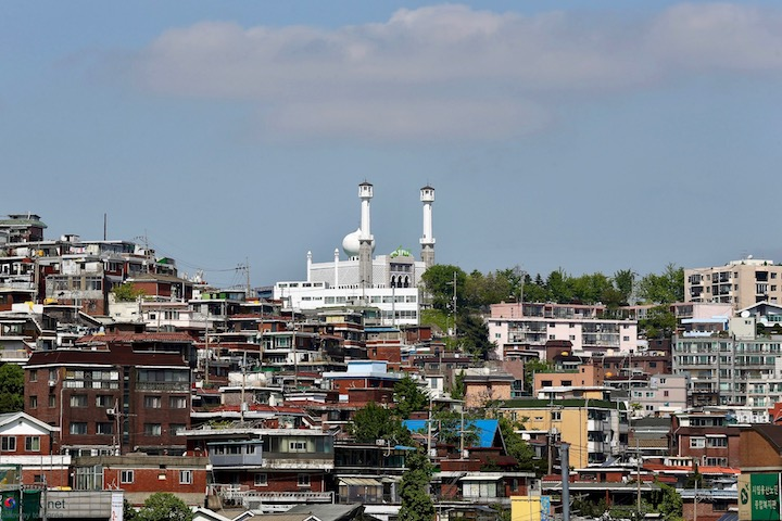 Itaewon mosque and Hannam Newtown District 3
