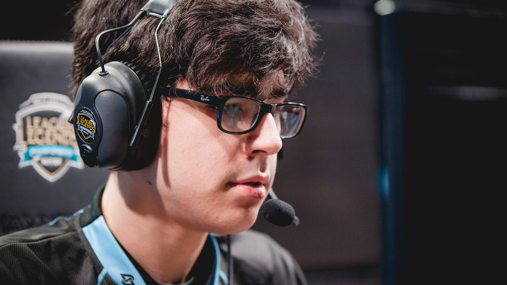 Dardoch's constant movement is not all his fault.