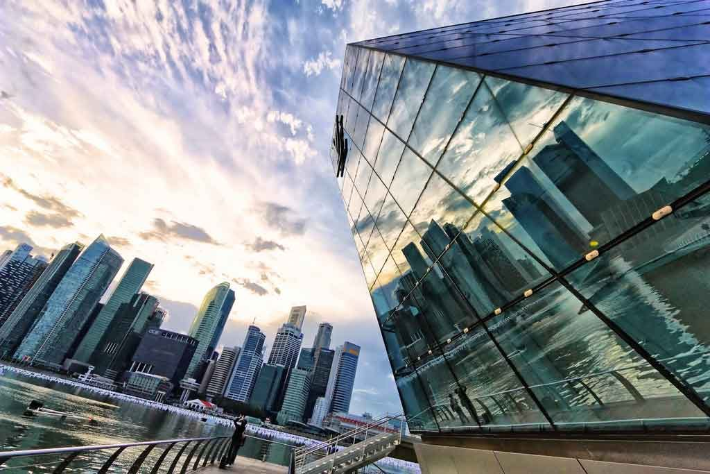 why-you-should-invest-in-singapore
