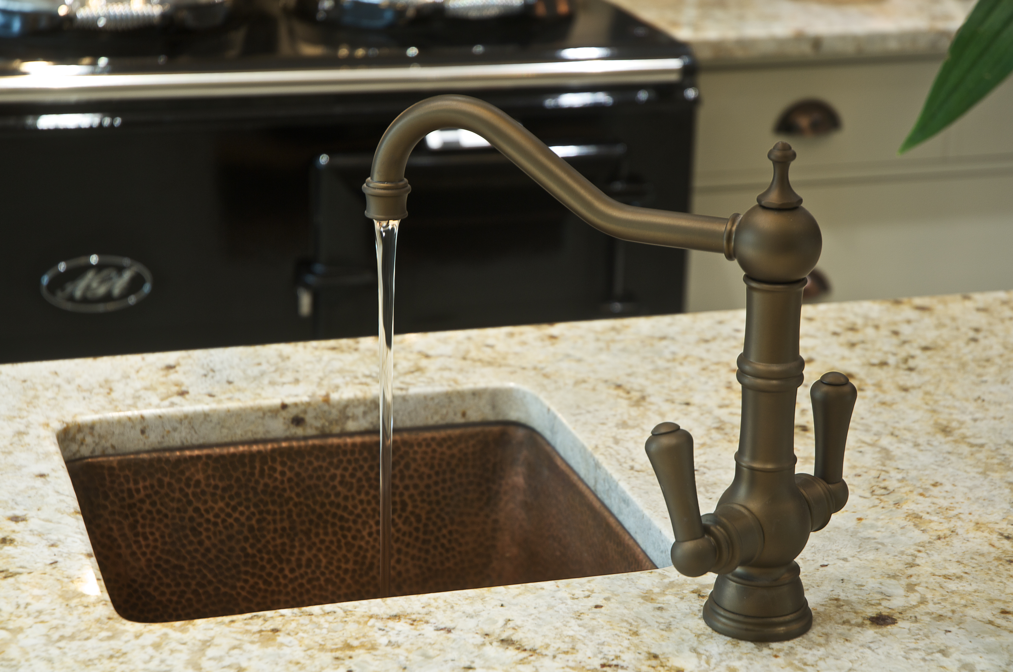 Image of: Hammered Copper Kitchen Sink