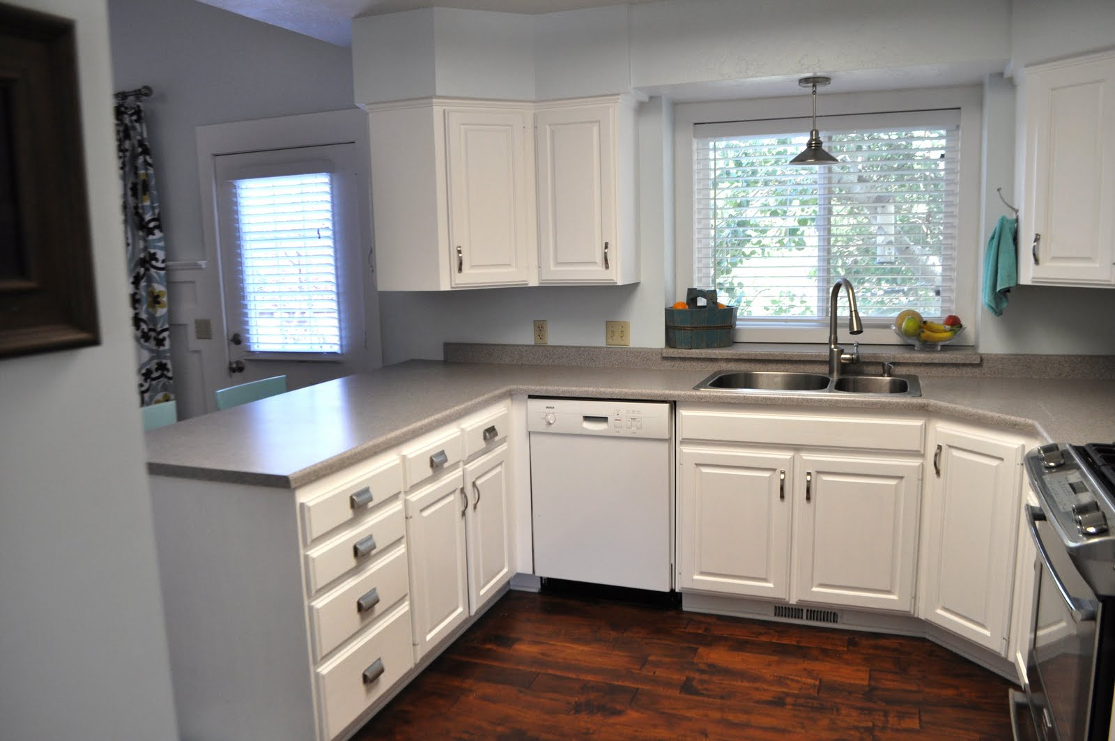 Image of: Painting Oak Kitchen Cabinets