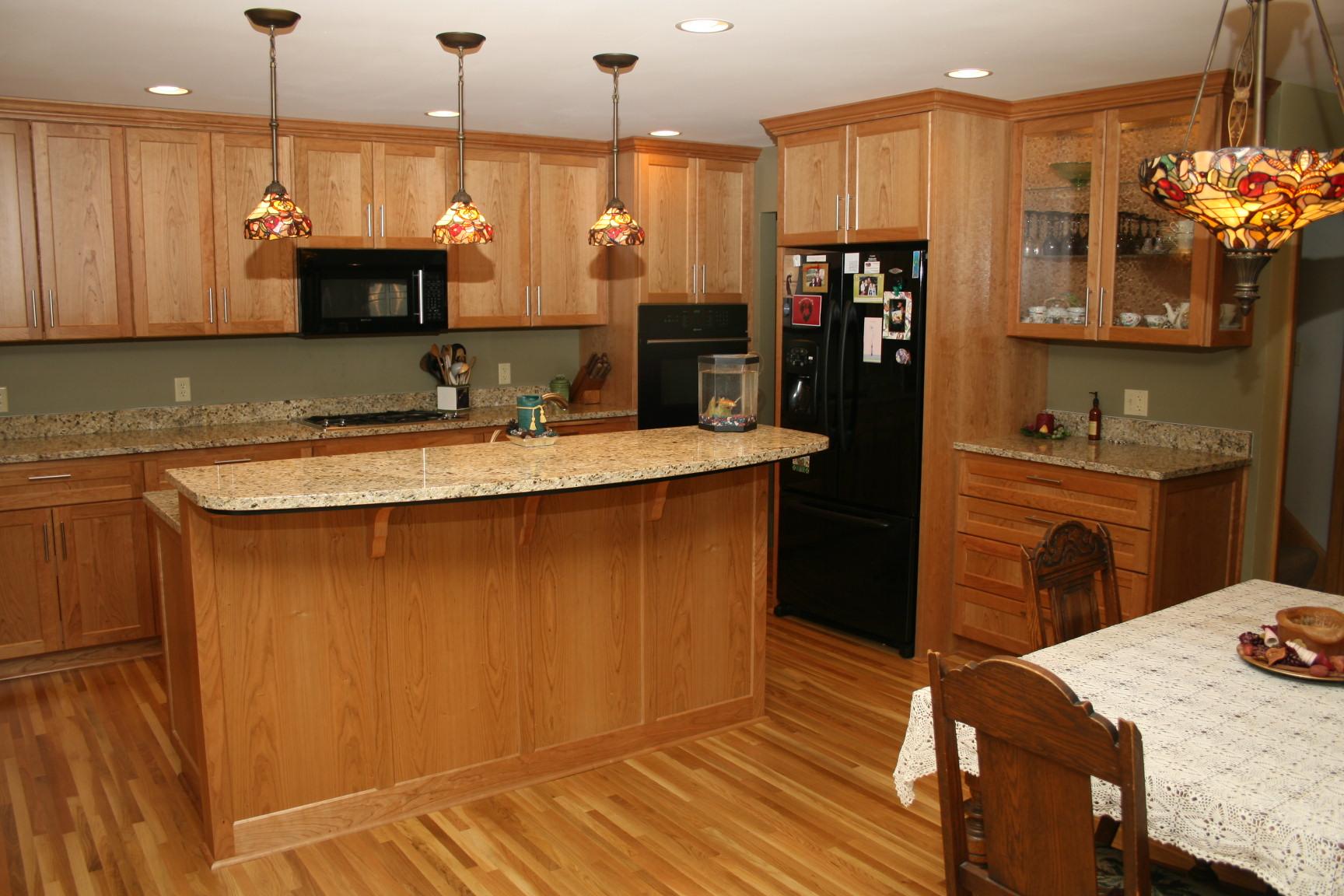 Image of: Light Oak Kitchen Cabinets