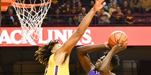 Glitch amid Gophers' great start: guarding threes