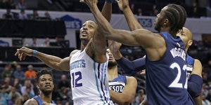 Wolves stung by Hornets for second consecutive loss