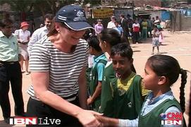 Come out and play: Australia to Delhi's slum children