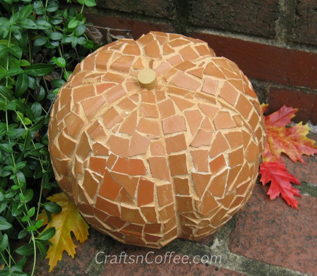 how to make a terra cotta mosaic pumpkin for fall decorating