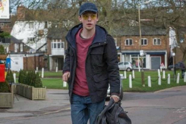 black mirror shut up and dance alex lawther camera