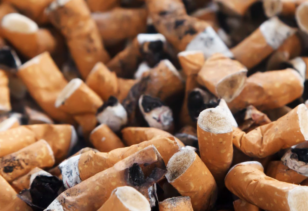 smoking increases risk of breast cancer