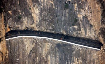 最令人胆寒的公路都在这 老司机看了都胆寒!
