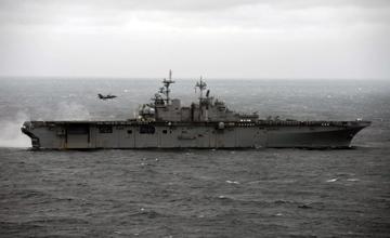 F-35B搭配登陆舰来东海首秀,美军:历史性部署!
