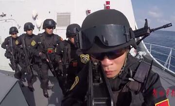 罕见镜头曝光!中国海军比《红海行动》中更霸气