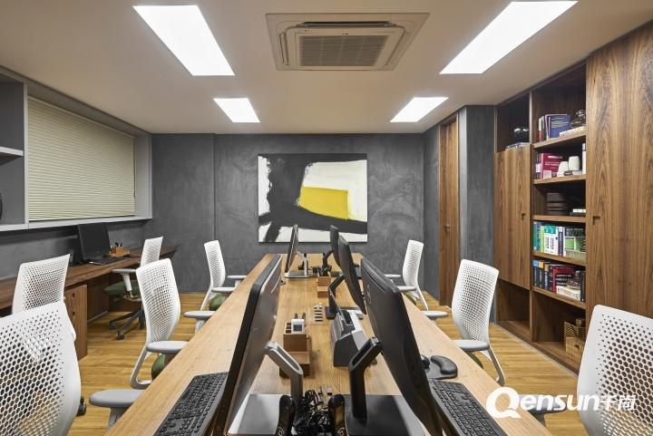 巴西Andrade Miranda律师事务所办公室空间设计