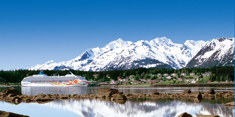 alaska best time to book