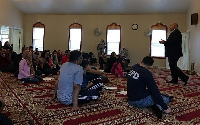 Jewish community security director Brad Orsini talks at a preparedness and emergency training for the local Muslim community. (Photo courtesy of Brad Orsini)