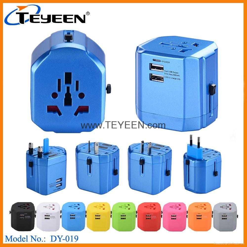 经典款双USB多功能插头  DY (热门产品 - 1*)