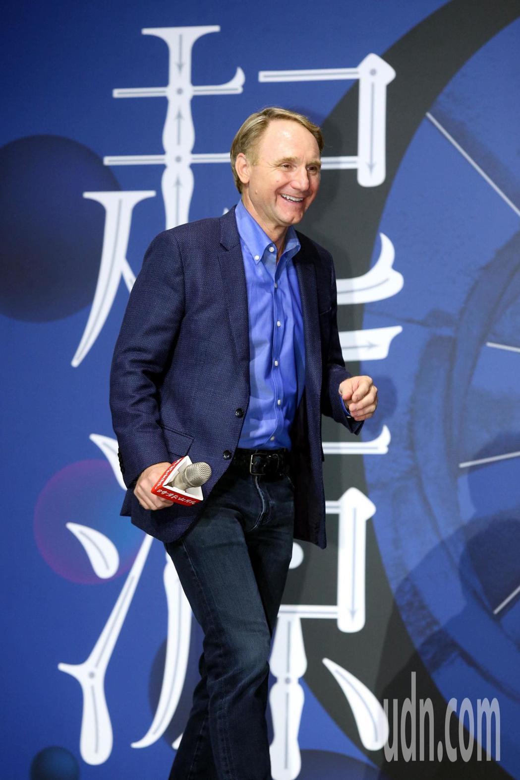 「達文西密碼」作者暢銷作家丹‧布朗最新力作「起源」繁體中文版已於5月5日面世,此...