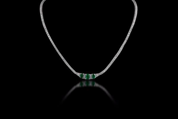 18K White Gold Diamond and Emerald Necklace