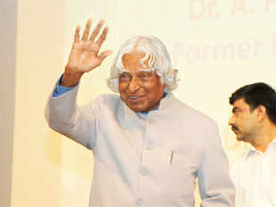 """ManmohanSingh condoled the death of A.P.J AbdulKalam, saying he """"greatly benefited from his advice as president of the country""""."""