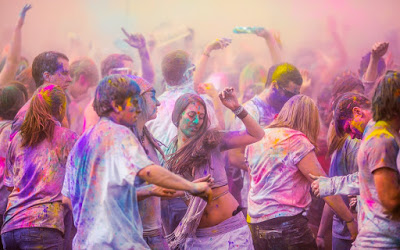 Dance-in-Holi-Festival-Celebration