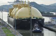 A partir de octubre, buques de GNL podrán transitar de noche