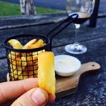 The best chip ever! Our crispy chips are 💯% homemade! 🍟 Thanks @jonnoswan for your nice picture... and comment!😊 . . . #bestchipsever #dromanaestate #wines #winery #wandermorningtonpeninsula #wandervictoria #winetasting #restaurant #tapas