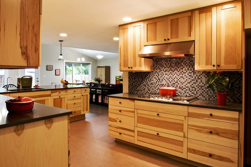 Image of: Hickory Kitchen Cabinets Natural