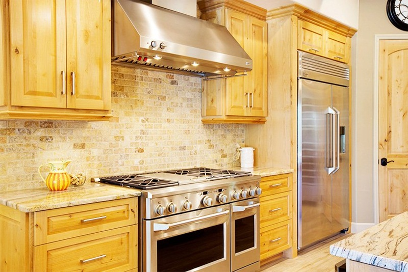 Image of: Knotty Hickory Kitchen Cabinets