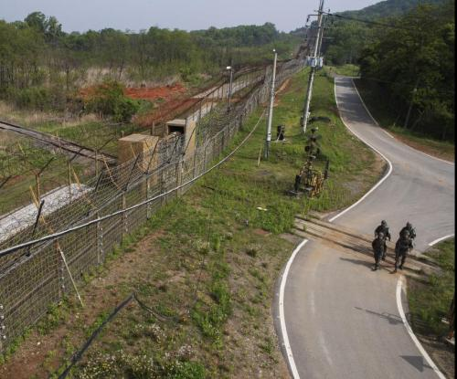 South Korea to trial withdrawing troops from border