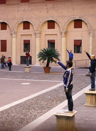 UA0804 (Il Saluto)  Performance at Castello Estense during the Internazionale Festival, Ferrara, October 4th, 2008. Directed by Roberta Pazi.