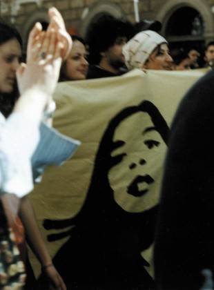The reason to go to Rome 2002, happening & performance with a flag