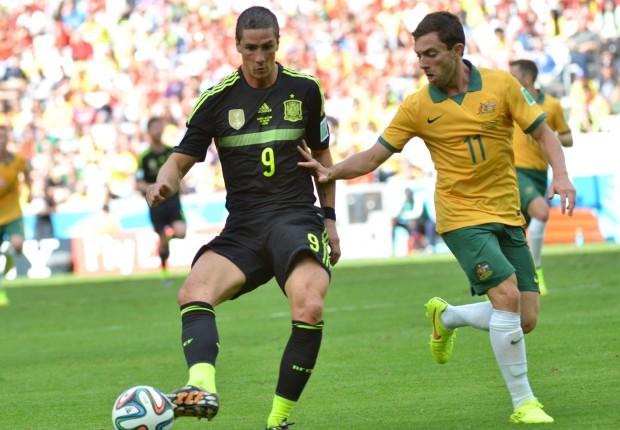 Espanha vence a Austrália na Arena, na despedida das duas seleções da Copa do Mundo