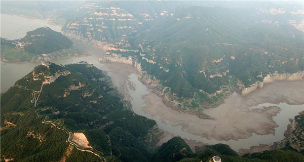 Painting-like riverbed in Yellow River