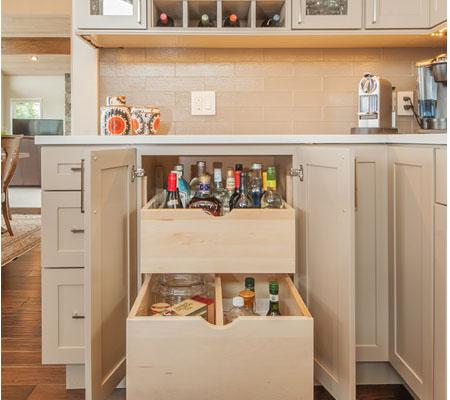 Красивые полки для маленькой кухни