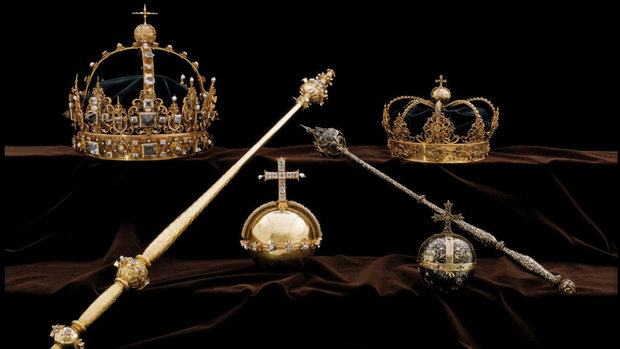 The Swedish Royal Family's crown jewels from the 17th century are seen in this undated handout photo obtained by Reuters on August 1, 2018.  SWEDISH POLICE/via REUTERS THIS IMAGE HAS BEEN SUPPLIED BY A THIRD PARTY. NO RESALES. NO ARCHIVES.  MANDATORY CREDIT.  NO NEW USES AFTER AUGUST 30, 2018, 1000GMT - RC162FBC42A0