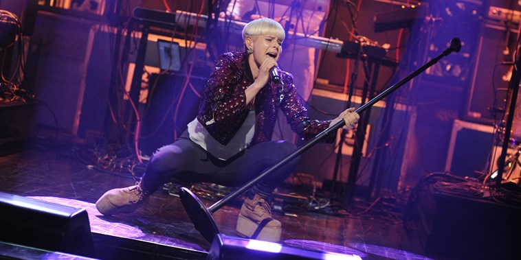 Robyn performs on Saturday Night Live on Dec. 10, 2011.